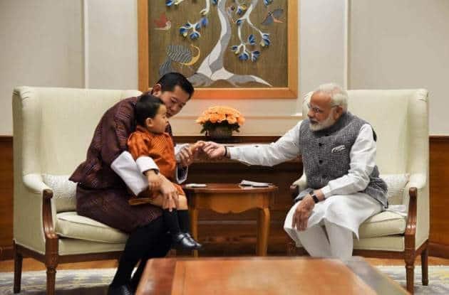 pm modi photos, modi bhutan king images, modi bhutan king son pics, Modi Bhutan royals pictures, bhutan queen photos, bhutan king india visit pics, Indian Express