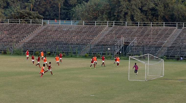 kolkata football, mohun bagan, east bengal football clubs in calcutta,