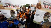 Giddy Zimbabweans gather in capital to march against President Mugabe