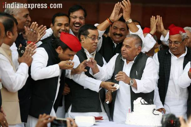 Mulayam singh yadav, Mulayam singh yadav birthday, Akhilesh Yadav, samajwadi party, Sp chief, Uttar Pradesh, BJP, Mulayam singh birthday photos, birthday celebration pics, india news, Indian epxress photos