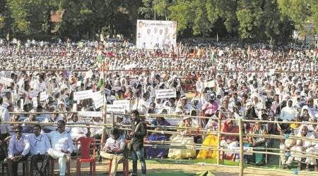 Congress rally in Chandrapur draws big crowd but turnout thin at parallel rally