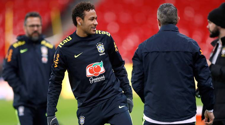 Neymar can lead Brazil to 2018 World Cup glory, says Roberto Carlos