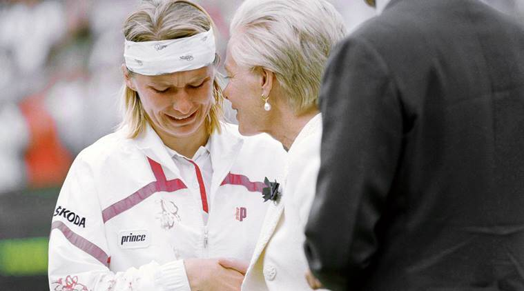 Jana Novotna broke down after losing Wimbledon in 1993
