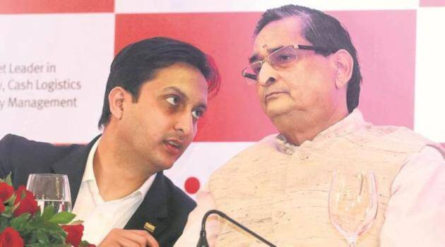 Paradise Papers, Paradise Papers Ravindra Kishore Sinha, Indian Express Paradise Papers, ICIJ, Panama Papers, Offshore accounts, corruption, black money