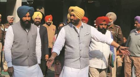 AAP leader Sukhpal Khaira faces fire from SAD for comment on womanAkali