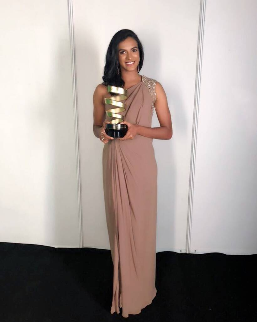 pv sindhu with her indian sports honours award
