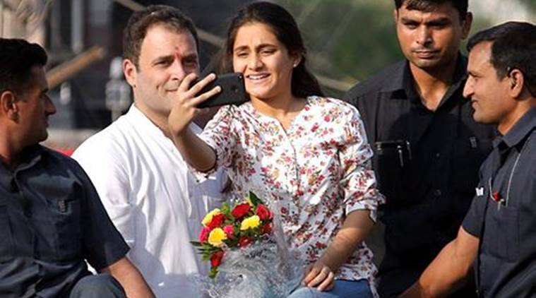 Rahul Gandhi, Gujarat elections, Congress, Rahul Gandhi selfie, Rahul selfie with girl in Gujarat rally, Congress Gujarat rally, Rahul Gandhi in Gujarat, Rahul Gandhi security breach, Rahul Gandhi convoy, india news, indian express
