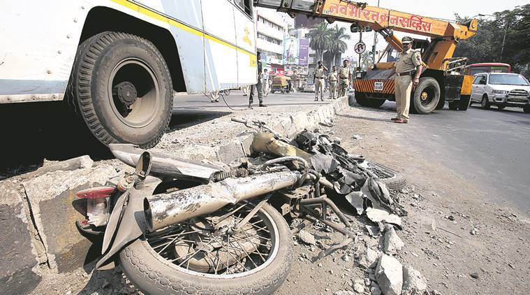 road accidents, road accident pune, road accident killed, road accident death, two-wheelers accident pune, four wheelers accident pune, latest news, indian express