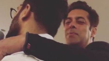 Salman Khan sings 'Jab Koi Baat Bigad Jaaye' for his parents on their wedding anniversary, watch video