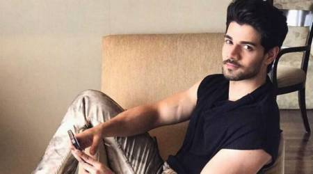 I like doing small things that make others happy: Sooraj Pancholi