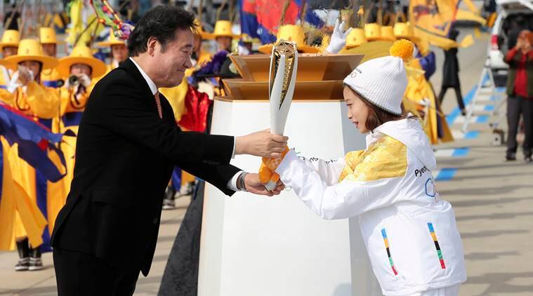 south korea, olympic flame, 2018 Pyeongchang Games, psyeongchang games, sports news, indian express