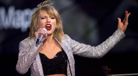 Amid mixed reviews, Taylor Swift's Reputation witnesses strong sales