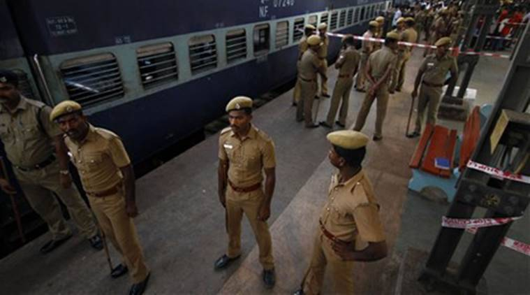 Sitapur train accident, Lucknow GRP, SItapur woman train, Lucknow news, indian express news