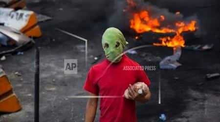 Honduras crisis: Army enforces curfew while vote countstalls