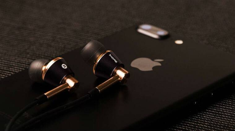 1More Triple Driver headphones review price in India features specifications sale