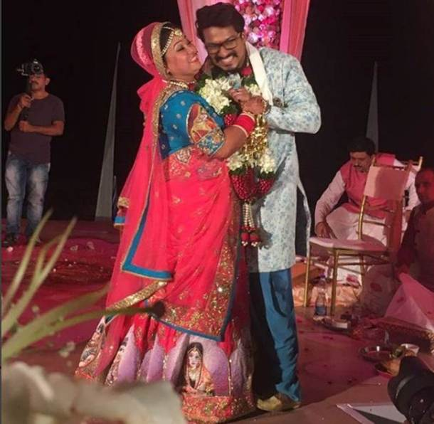 bharti singh haarsh limbachiyaa wedding photos