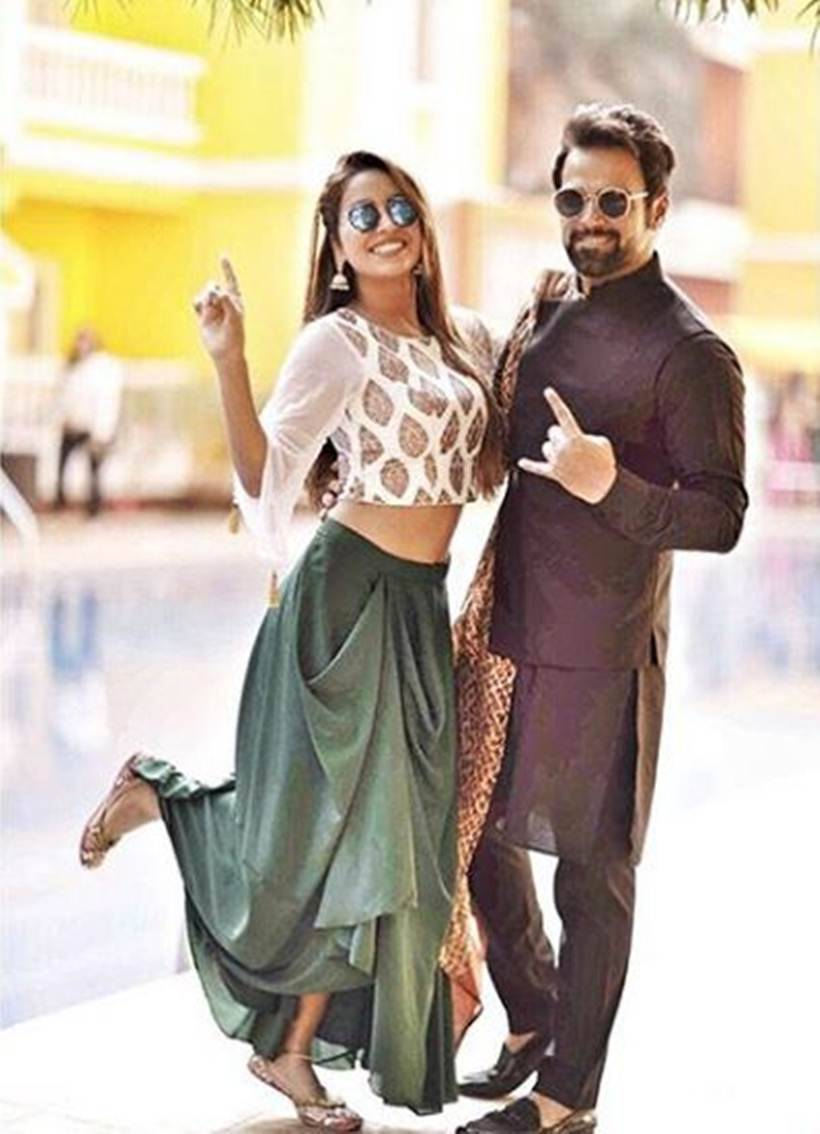 photos of TV couple asha negi and rithvik dhanjani at bharti singh wedding