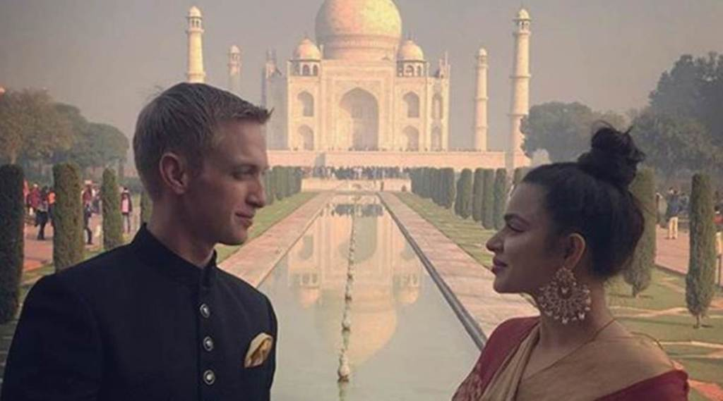 aashka goradia first picture post marriage