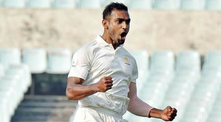 Abhimanyu Mithun, Abhimanyu Mithun hattrick, Abhimanyu Mithun bowling, Karnataka vs Tamil Nadu, Vijay Hazare Trophy final, hattrick on birthday, Abhimanyu Mithun and Peter Siddle