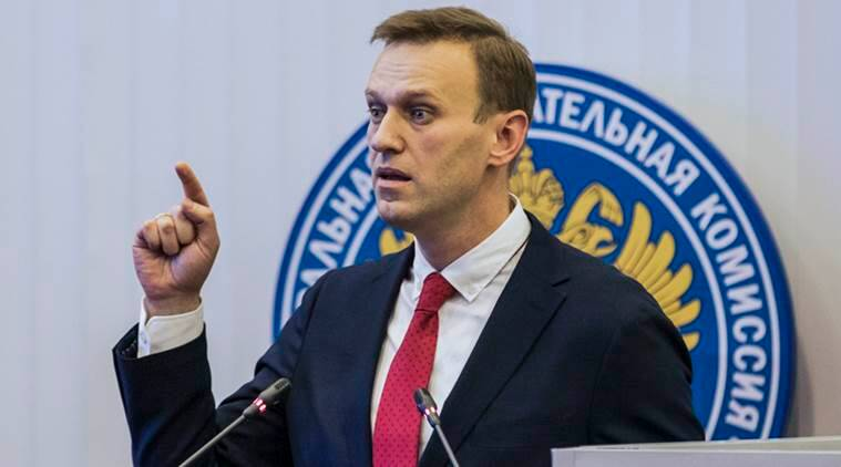 Russian opposition leader Alexei Navalny allowed to leave Russia