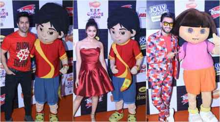 Alia Bhatt, Ranveer Singh and Varun Dhawan add glamour to 2017 Nickelodeon Kids' Choice Awards. See photos, videos