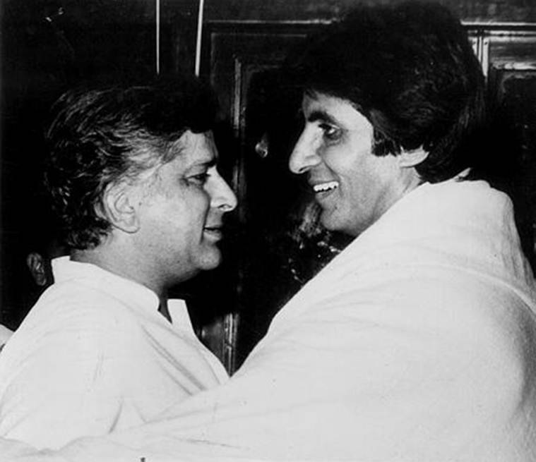 amitabh bachchan pays tribute to shashi kapoor on his death