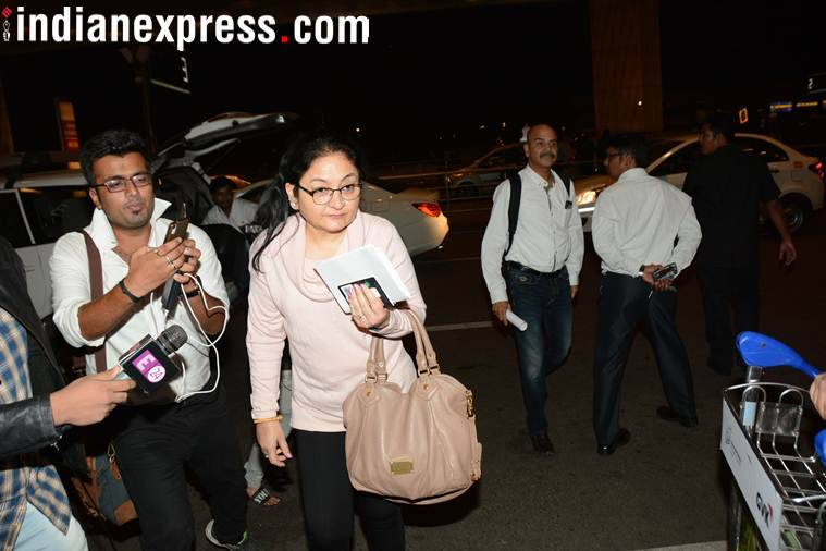 anushka sharma and family spotted at airport