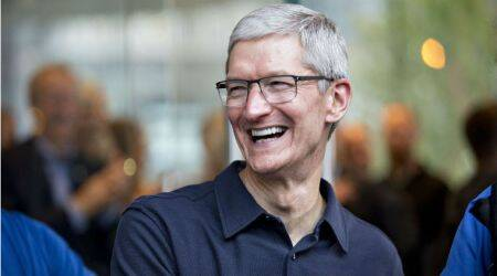 Apple's Tim Cook poised to reap $120 million of stock after rally