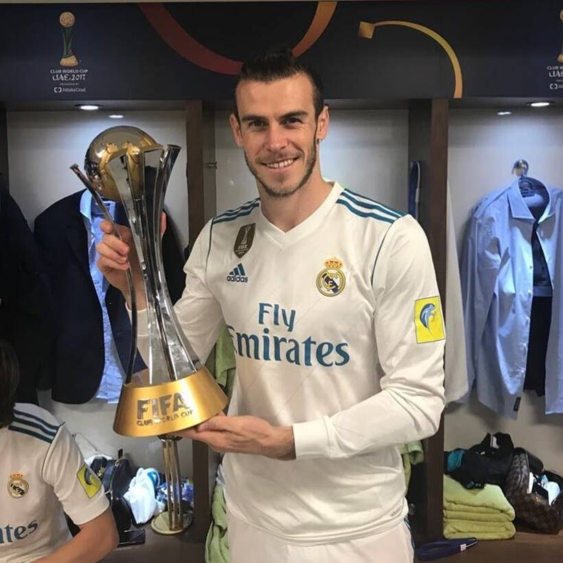 Gareth Bale with the Club World Cup title