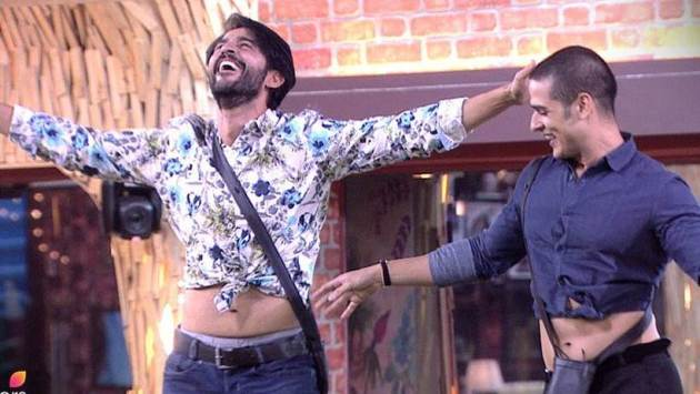 bigg boss 11 belly dance