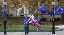 Britain confident in Brexit talks, sees no return to hard Irishborder