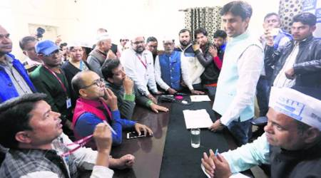 AAP should reach out to ousted leaders and apologise, says Kumar Vishwas