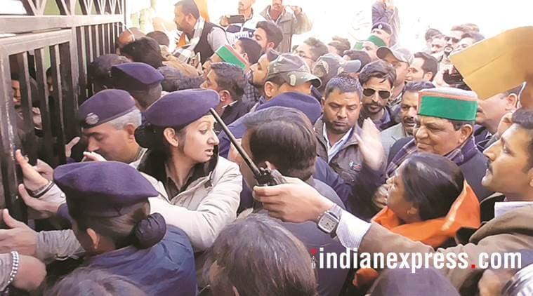 cong mla slaps cop, woman cop slapped, himachal congress mla, mla slaps policewoman, police complain, indian express