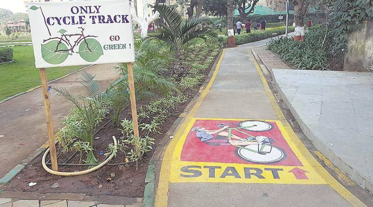 In December 2017, under its initiative for eco-friendly development and to encourage cycling enthusiasts, the BMC along with the Mumbai Police had started a cycling track of about 4 km from Nariman Point to Girgaum Chowpatty