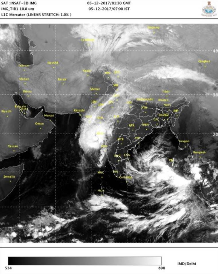 Cyclone Ockhi to hit Maharashra, mumbai, gujarat