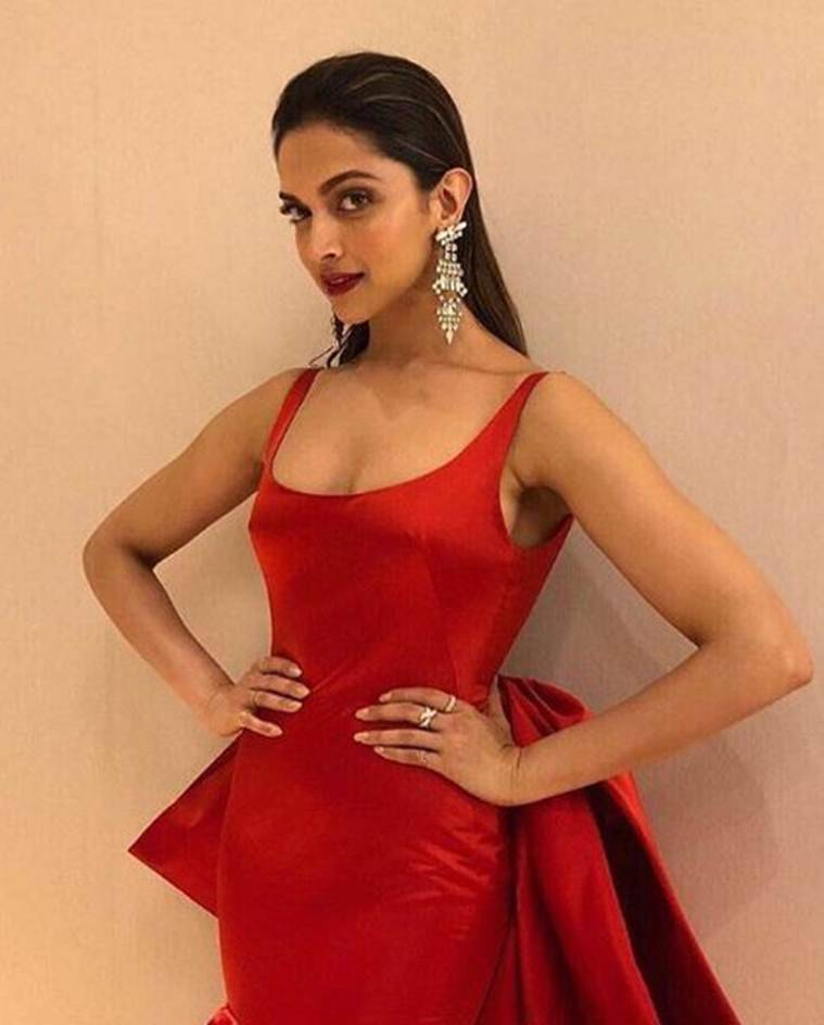 deepika padukone at filmfare glamour and style awards