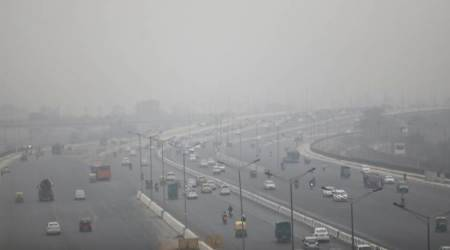 Grey Christmas in Delhi, pollution rises