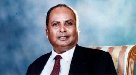 Reliance family pays tributes to Dhirubhai Ambani on glitzyevening