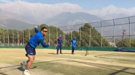 MS Dhoni turns fast bowler in the nets ahead of first Sri Lanka ODI, watch video
