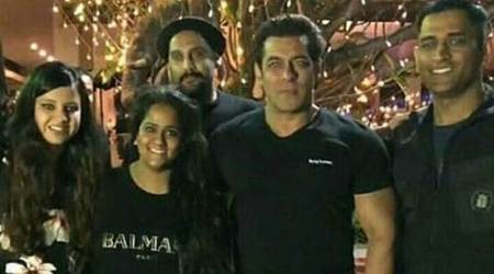 MS Dhoni, Kedar Jadhav attend Salman Khan's birthday bash, see pics