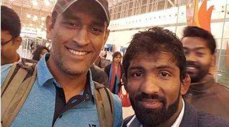 MS Dhoni back from Kashmir, bumps into another Indian sports star atairport