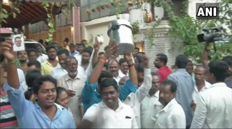 Counting resumes for RK Nagar bye-poll, TTV Dhinakaran maintains lead