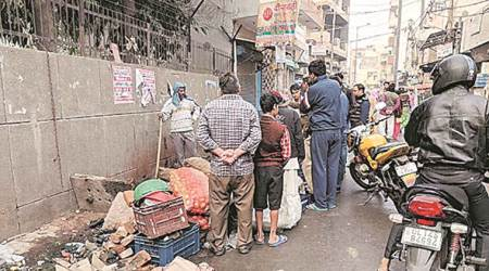 two-year-old falls into drain, girl falls in drain, two-year-old girl death, vegetable seller daughter, delhi vegetable vendor's daughter, delhi news, indian express