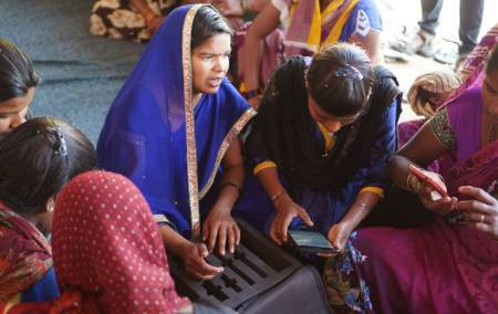 Can India answer the call? Addressing the gender gap in mobile phone access