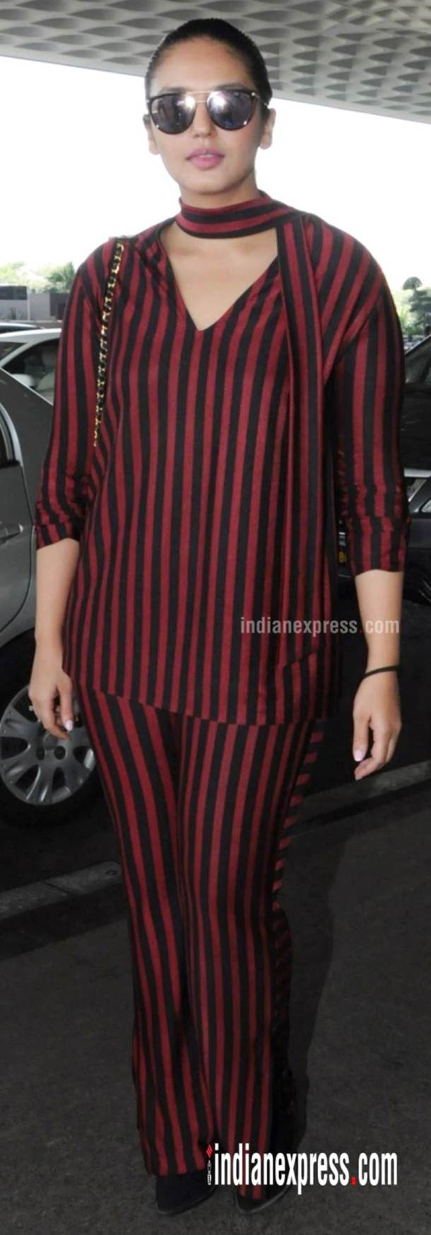 Huma Qureshi, Bizarre outfits 2017, Fashion Misses 2017, Worst Outfits 2017