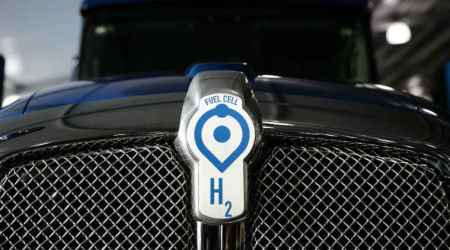 Method to create clean, cheap hydrogen fuel from methanedevised