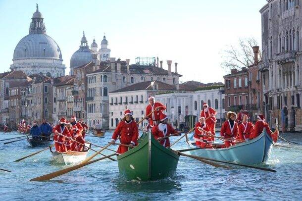 Christmas, Santa claus, santa, merry christmas, christmas 2017, santa races, santa runs, annual christmas runs, christmas charity marathon, santa run in the world, santa parade, italy santa parade, lifestyle news, indian express