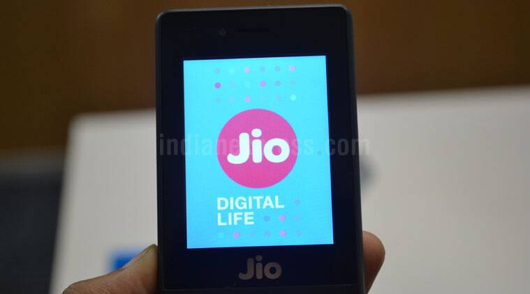 Reliance Jio Phone how it works plans