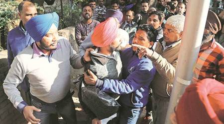 Chandigarh: 2 families clash outside Sector 17 police station, eightarrested