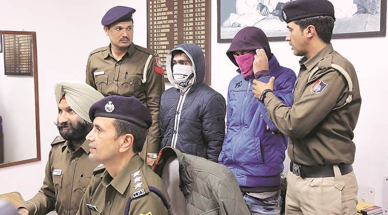 vehicle lifters arrested, Chandigarh Police, chandigarh news, Zirakpur, stolen vehicles recovered in Chandigarh, punjab crime, vehicle lifting, law and order chandigarh